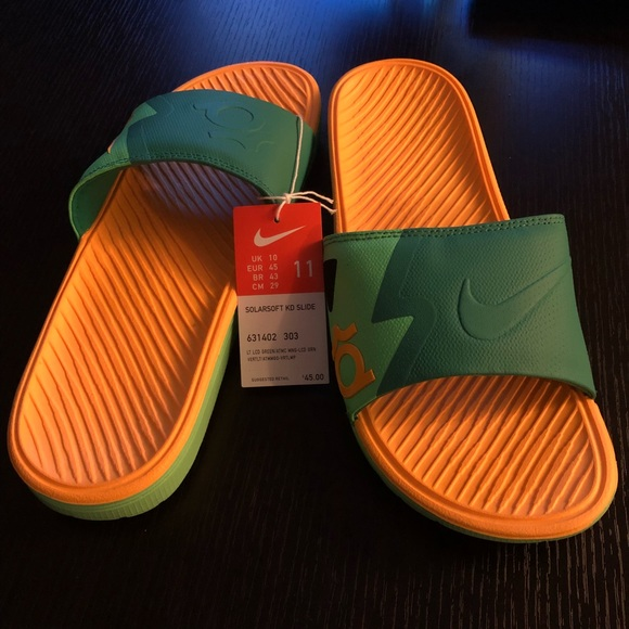 detailed look 34078 d72bc Nike Solarsoft KD Slides